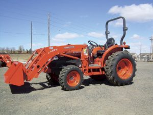 L 3240 Kubota Tractor demo unit