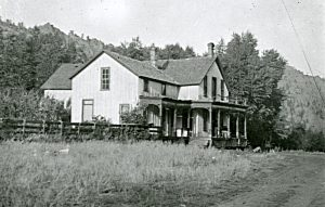 Rustic Hotel circa 1910.  From Ken Jessen photo collection.